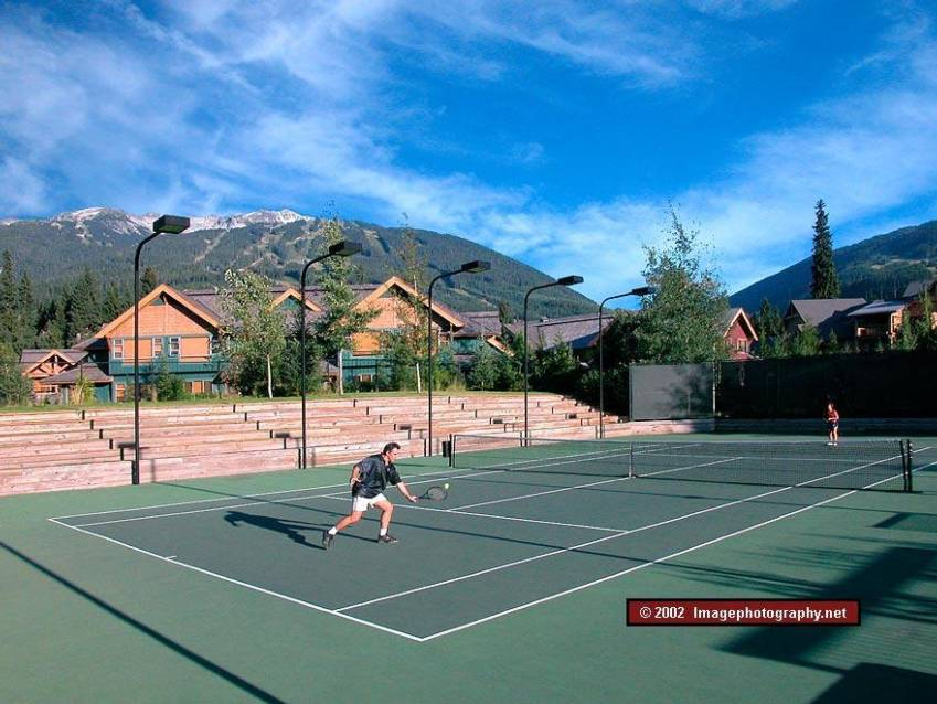 Outdoor tennis court at Whistler Racquet Club near Montebello