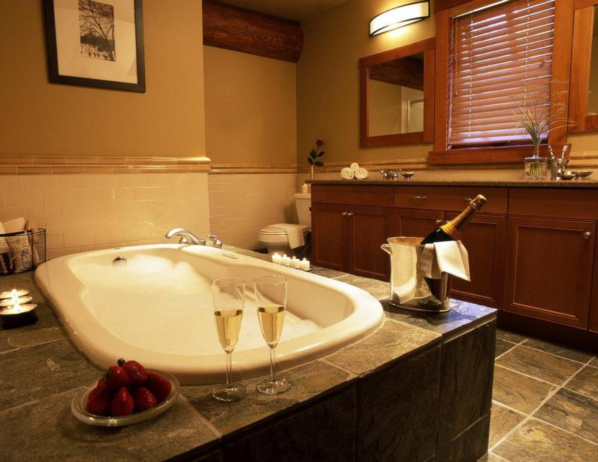 Taluswood Whistler - luxurious bathroom to pamper you