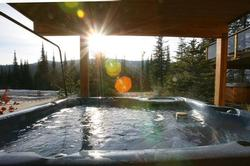 Deluxe private hot tub for 6 people with view of Mt. Morrissey.