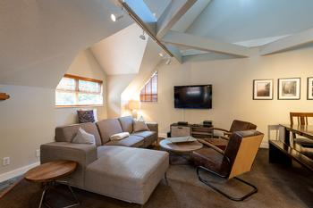 3 Bedroom Whistler Vacation Rental - Lake Placid Lodge