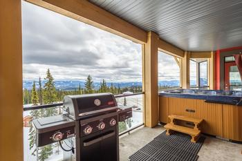 Large deck over looking Happy Valley with Private hot tub & BBQ