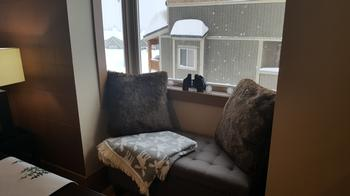 Great window seat to read, have a drink and watch the boarders and skiers go by.