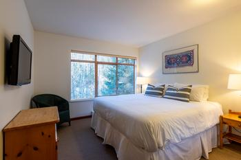 Master Bedroom: King bed (can be converted into two twins upon request) access to shared ensuite bathroom