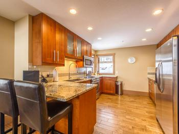 Large fully appointed kitchen, a gourmet cook's delight