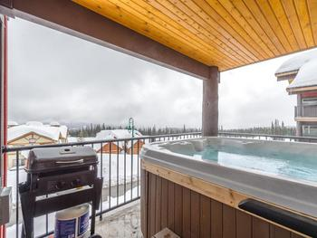 Your very own Hot Tub on private deck