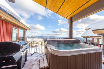 Your own private Hot Tub on deck with far reaching mountain views