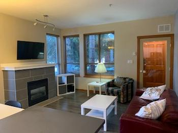 Welcome to our recently renovated retreat. Everything you need in Whistler is within walking distance. The townhouse is quiet, cozy and comfortable, the kitchen is fully stocked if you want to cook and the hot tub is great after a day of skiing.