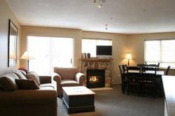 2 Bedroom Whistler Vacation Rental - Whistler Town Plaza - Deer Lodge