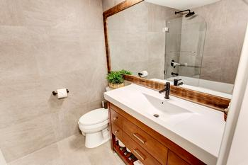 Master En-suite with Rain shower tub and Heated floors