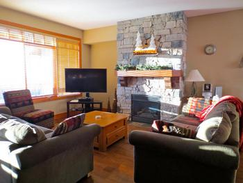 4 Bedroom Big White Vacation Rental - Blacksmith Lodge