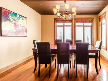 Great dining room !