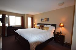Master Bedroom with King bed, top quality mattress & flat Screen TV