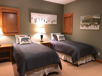The King Split Bedroom provides great flexability. Ensuite, closet, in-floor heat and flatscreen TV/cable provided.