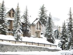The Villas Wintergreen Complex is ideally situated on the lower base of the Blackcomb Benchlands, one of Whistler's most desireable neighbourhoods.