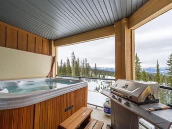 Views overlook the Happy Valley area and the mountains to the South East from private Hot tub.
