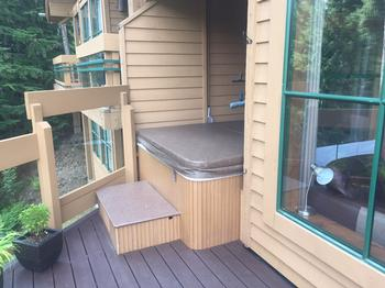 Hot tub is very private
