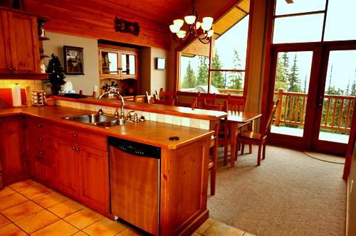 Our Coyote Creek Chalet Is Warm And Cozy All Season, But Especially At  Christmas Time ...
