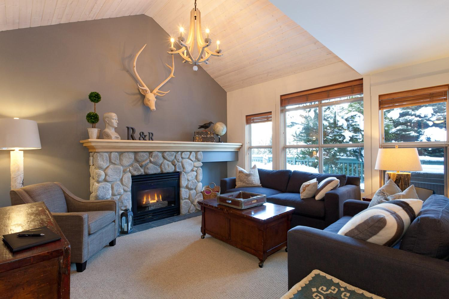 2 Bedroom Whistler Vacation Rental - Arrowhead Point