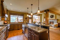 Large kitchen with gas stove and oven. Granite counters - Luxury!