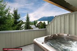 Upper deck hot tub with amazing view