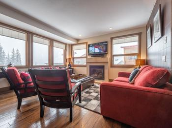 3 Bedroom Big White Vacation Rental - Timbers