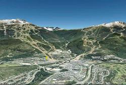 Resort overview courtesy of Google Earth. Whistler on the right, Blackcomb on the left, The Aspens shown with a yellow pin