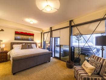 Master King room with TV, fireplace, full bath en-suite with steam shower.