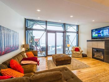 4 Bedroom Big White Vacation Rental - The Edge