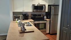 Fully equipped kitchen, including Keurig coffee maker