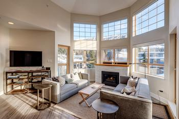 Bright open concept with amazing views!