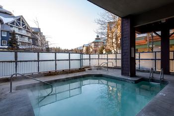 Outdoor heated pool and hot tub - open all year.