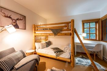 Bedroom 2: Bunk with double on top and bottom