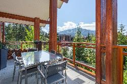 Outdoor lounge and dinning area. Second balcony off living area. Amazing views!