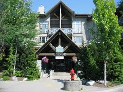 Marketplace Lodge front entrance.