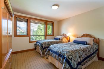 Twin beds can be pulled together to make a king size bed in the 2nd bedroom