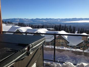 Enjoy views of the monashee mountains from the hot tub and deck