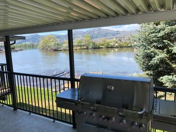 USE OUR 6 FLAME WEBER BBQ AND ENJOY YOUR DINNER WITH A GREAT SOUTHWEST FACING VIEW OF THE BAY AND THE MOUNTAINS