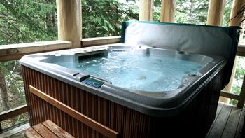 Private hot tub on deck off family room (with big beach towels and terry towel robes for all)