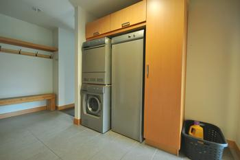 In-house laundry machines, as well as deluxe clothes drying machine