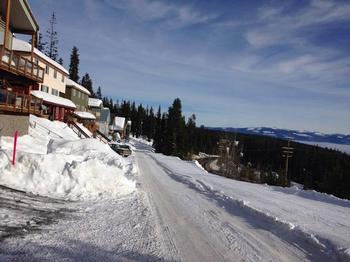 lower snow pines road/ski out