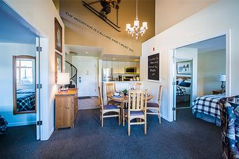 Perfectly Located 3 beds Loft in Whistler Village