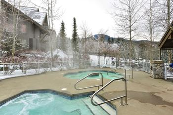 Aspens lodge: common hot tubs (3 total)