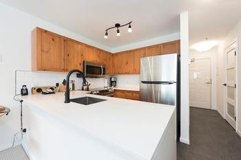 Fresh modern kitchen - Whistler style in tact!