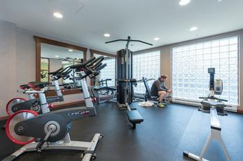 On site gym offers that perfect mid-vacation getaway