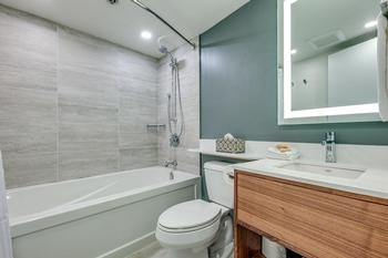 New luxurious bathrooms with heated floors