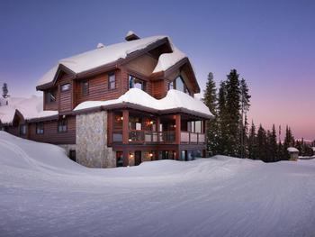 Brand new Chalet with amazing amenities!