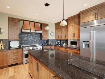 Outstanding kitchen! Professional series stainless steel appliances, a  huge space any Chef would be envious to cook in. Many extras included in  the equipment from dual dishwashers, very large french door fridge and  freezer with ice/water dispenser.