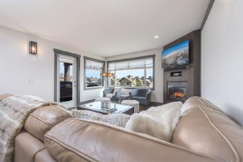 An amazing ski condo with top end finishings throughout.