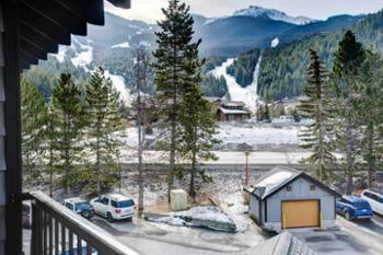 Great stay in Creekside & perfect location. Beautiful view of mountain from balcony & very easy walk to gondola. Would definitely stay here again! Ashley (Chicago, IL)