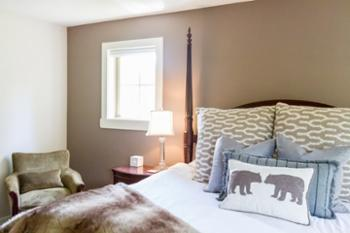 The beds and linen means heaps of deep sleep and beckon you to them, thereis oodles of storage and hanging space for ski,golf,sports kit and suitcases and hairdryers in the drawers such an appreciated touch.---Mairi, UK